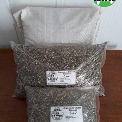 Compuesto granulado micáceo