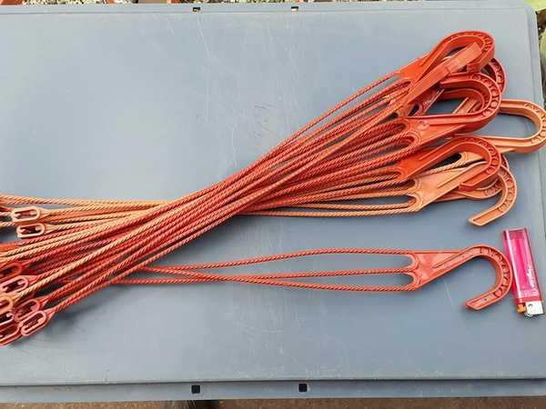 Ganchos colgadores trenzados plásticos de 51 centímetros de largo