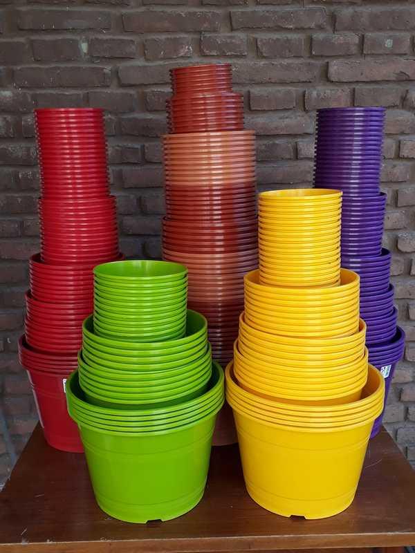 Macetas plásticas del 11 al 35